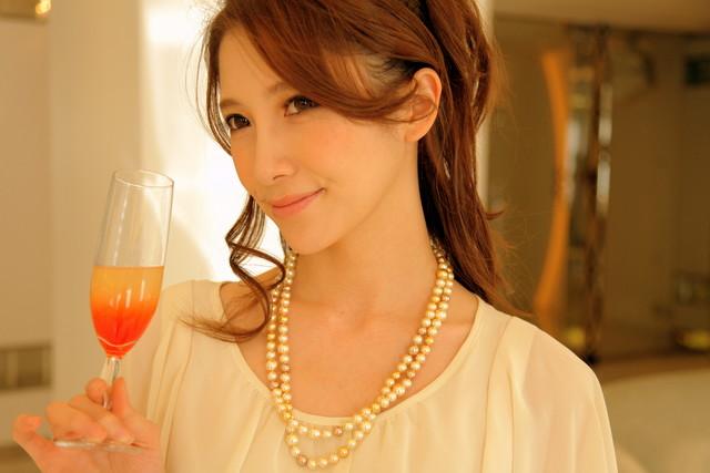 ドレスが引き立つ結婚式ネックレスの定番9選と選び方のコツやマナー