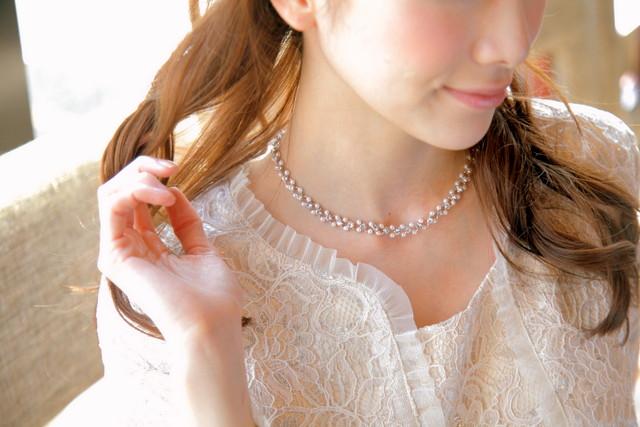 控えめながら繊細なデザインが魅力的なネックレス