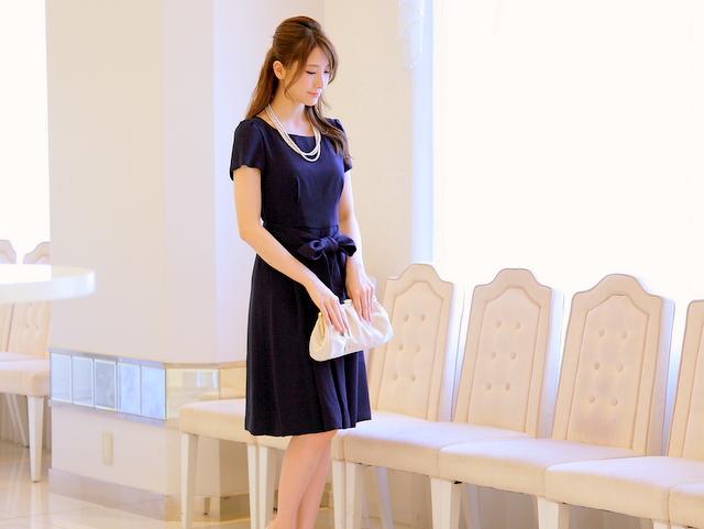 濃紺よりもちょっと明るく!ネイビーブルーのドレス