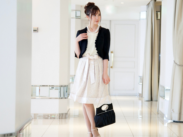 結婚式で着たい人気色ベージュドレス