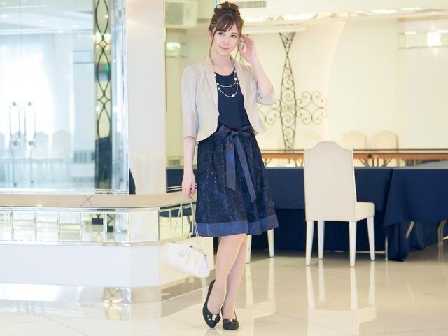 ネイビードレスのコーディネート方法②