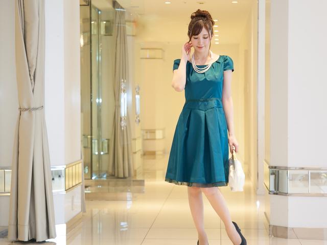 謝恩会ドレスに最適!魅力のターコイズグリーンのドレス
