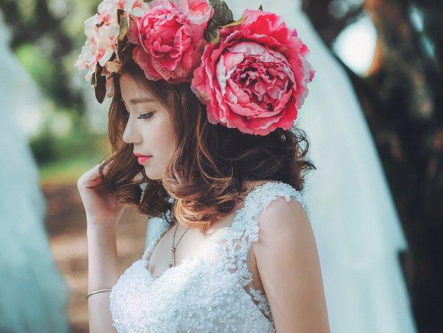 生花の髪飾りは花嫁の特権!