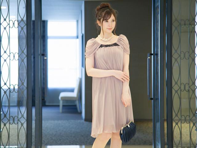 友達の結婚式ドレス 20代 クラシックピンク