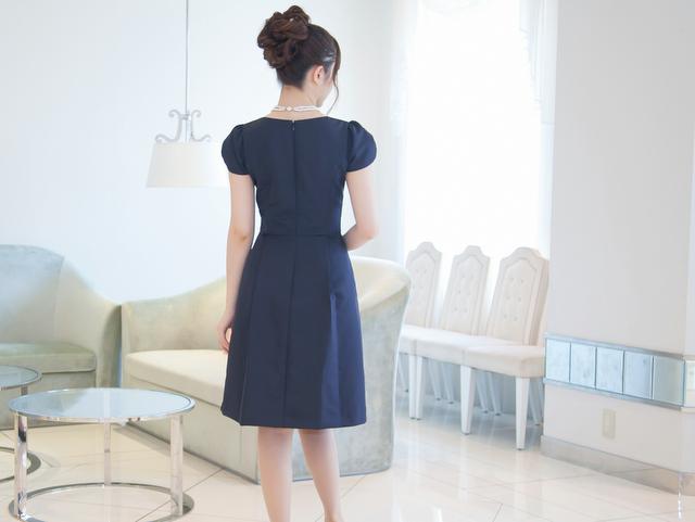1枚でも着れる袖付きドレス
