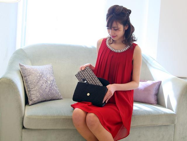 【結婚式のお呼ばれ】財布がパーティーバッグに入らないときの対処法