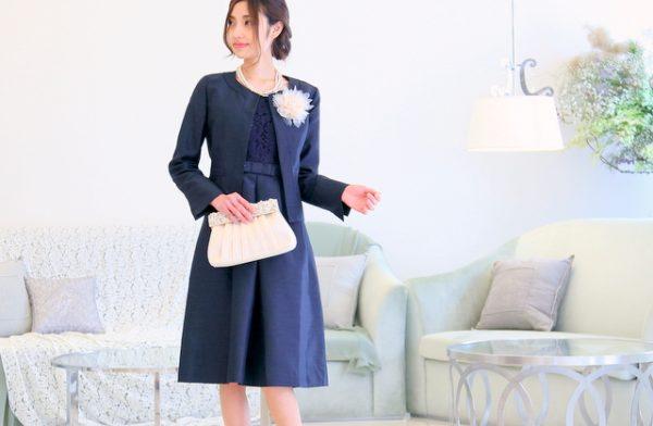 入学式・卒園式スーツは膝下丈と小物の活用がカギ!