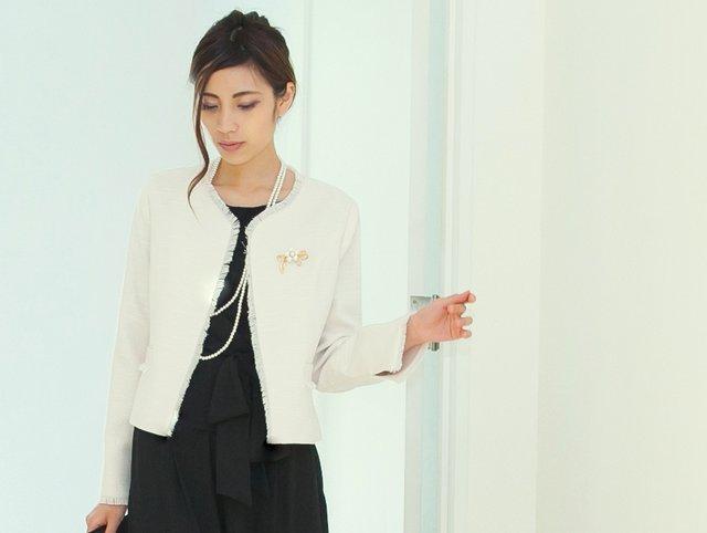 入学式入園式に着たいオフベージュのノーカラージャケット