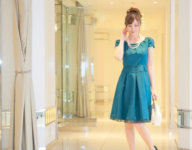結婚式 ドレス グリーン コーデ