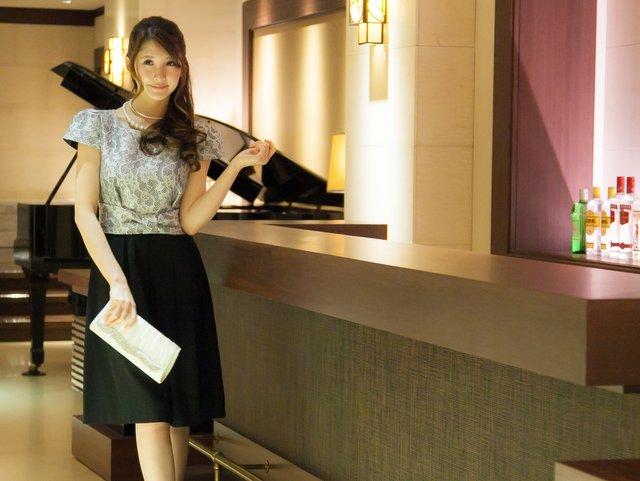 【40代/50代女性向け】同窓会服装選びのポイント! なりたいイメージで選ぶ人気ドレス&ワンピース