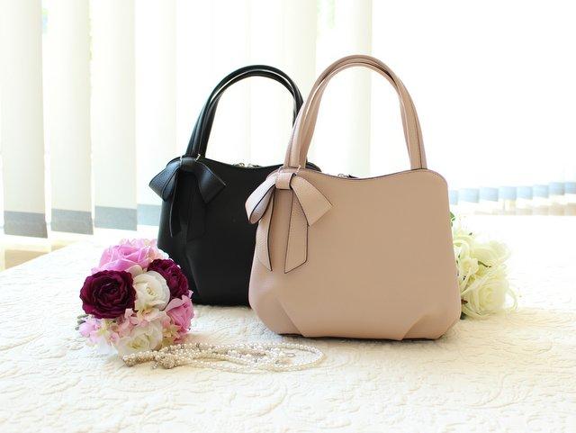 卒業式には収納力のあるバッグが便利!