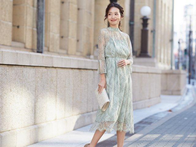 友人の結婚式にふさわしい、爽やかなライトグリーンのドレス
