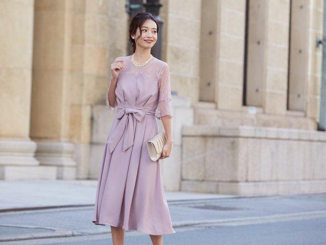 ちょっと大人のピンクだから長く着まわせるドレス