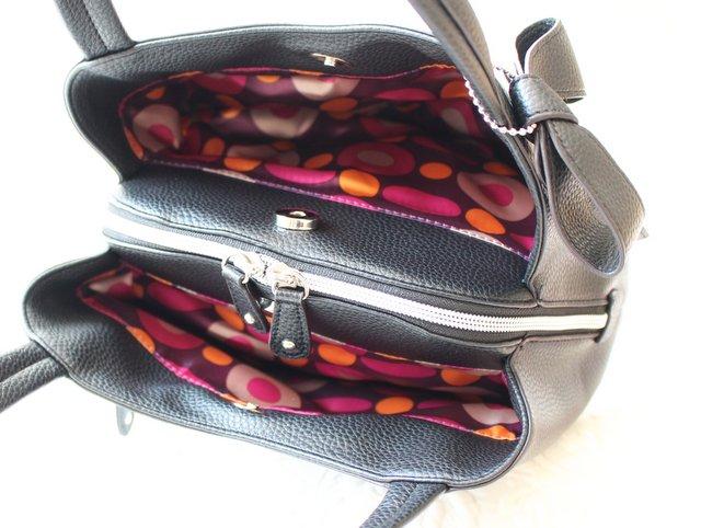 収納力バッチリな入学式バッグ