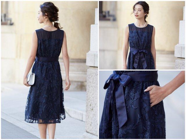 後ろ姿も素敵なフラワー刺繍のドレス