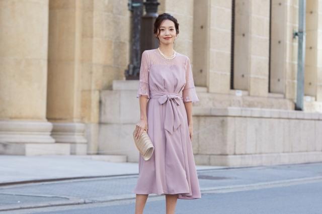 大人ピンクが可愛いビスチェ風ドレス