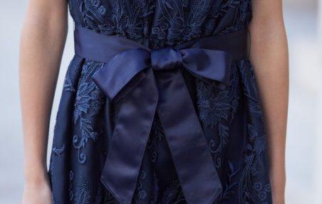 大きいサイズのドレスは、ウエスト切り替えのあるドレスを選ぶ