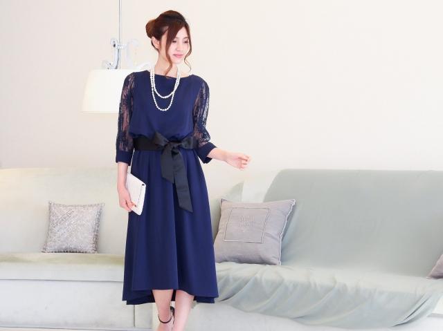 40代に人気のネイビーロングドレス